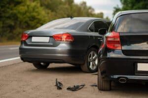 accidente de auto causado por un turista